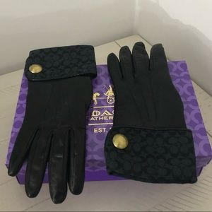 Coach gloves with cashmere interior